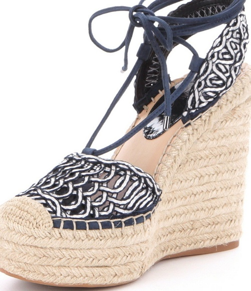 d94aa06a8f10 Gianni Bini woven lace-up wedge espadrille sz 9.5